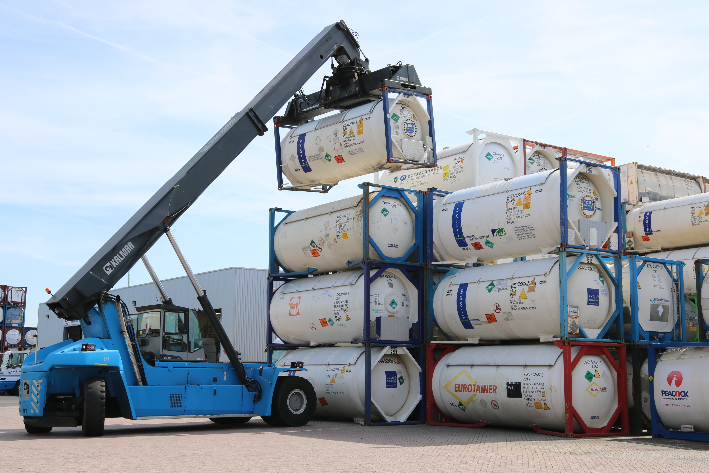 Reach stacker on ITT tank container depot